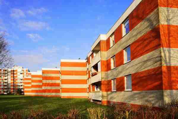 Dlaczego warto inwestować w zakup mieszkania nad morzem