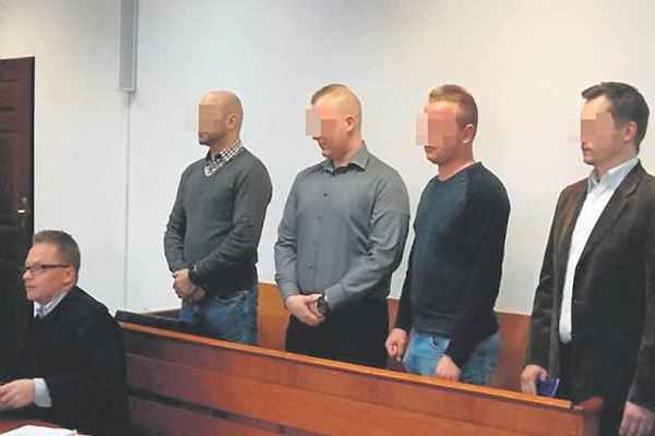 Kołobrzescy policjanci z zarzutami stanęli przed sądem za bezpodstawne użycie paralizatora