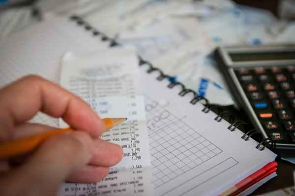 Oszczędzanie z oświetlaniem - jak zadbać o domowe rachunki