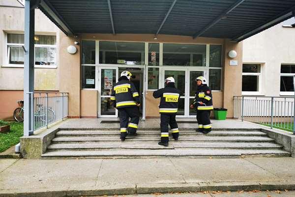 Zespół Szkół w Dygowie zagrożony ładunkiem chemicznym!