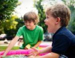 Basen dla dzieci – ogrom wodnej radości w ogrodowym zaciszu