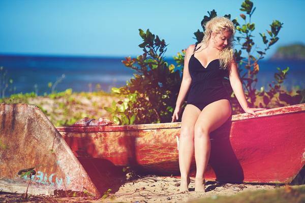 Trendy 2021: Modne stroje kąpielowe dla puszystych